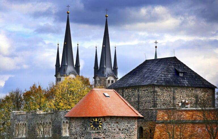 Chebský hrad a kostel