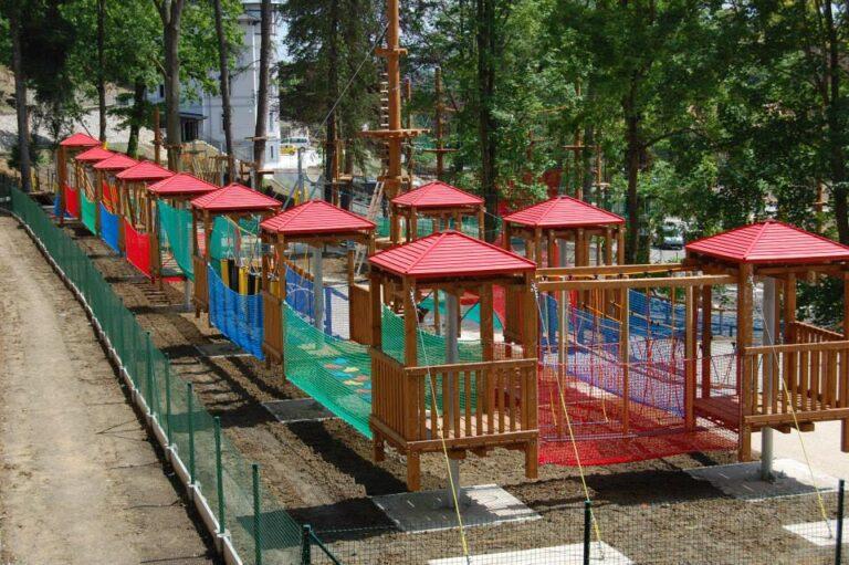 Lanové centrum dětské překážky